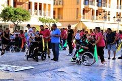 Ludzie uczestniczy w aktywność dla światowego dnia cerebralny palsy zdjęcia stock