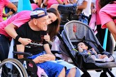 Ludzie uczestniczy w aktywność dla światowego dnia cerebralny palsy obrazy royalty free