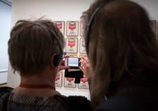 Ludzie wśrodku muzeum sztuka współczesna w NYC Obraz Royalty Free