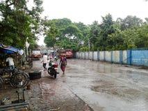 Ludzie w deszczowym dniu Zdjęcia Royalty Free