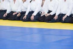 Ludzie w kimonie i hakama na sztuk samoobrony trenować Obraz Stock
