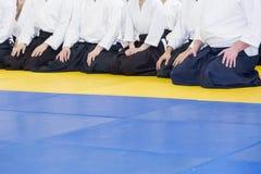 Ludzie w kimonie i hakama na sztuk samoobrony trenować Fotografia Royalty Free