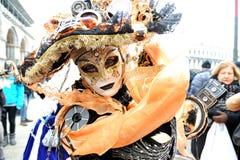 Ludzie w luksusowym kostiumu przy Wenecja, Włochy 2015 Fotografia Royalty Free