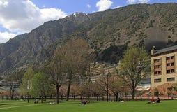 Ludzie w miasto parku Andorra los angeles Vella, Andorra Fotografia Royalty Free