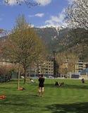 Ludzie w miasto parku Andorra los angeles Vella, Andorra Obrazy Stock