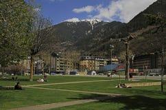 Ludzie w miasto parku Andorra los angeles Vella, Andorra Obrazy Royalty Free