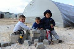 Ludzie w obozie uchodźców zdjęcia royalty free