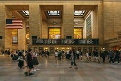 Ludzie w Uroczystym Środkowym Terminal, Nowy Jork Obrazy Stock