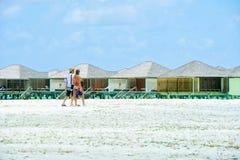 Ludzie w wakacje przy raj wyspą, Maldives Marzec 2012 Fotografia Stock
