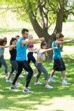 Ludzie ćwiczy w parku Obrazy Royalty Free