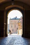 Ludzie wizyty Wawel Królewskiego kasztelu w Krakow na Listopadzie 02, 2014 Zdjęcia Royalty Free