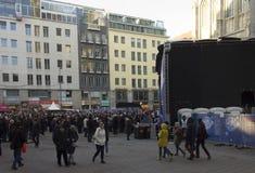 Ludzie wokoło Stephansplatz w Wiedeń Obraz Stock