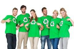 Ludzie wskazuje one w przetwarzać symboli/lów tshirts Fotografia Stock