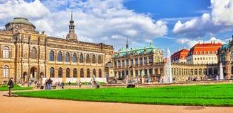 Ludzie Zwinger pałac w sądzie (Dera Dresdner Zwinger) Zdjęcie Stock