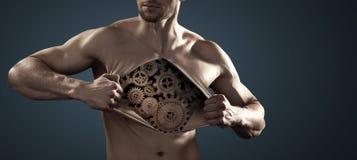 Ludzki robot ciągnie jego klatki piersiowej skórę daleko od Zdjęcia Stock