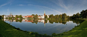 Luebeck, Duitsland, panorama van Muehlenteich Royalty-vrije Stock Afbeelding