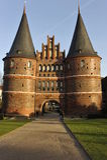 Luebeck, porta de Holstentor Fotografia de Stock Royalty Free