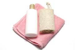 Luffa et serviette de savon liquide images stock