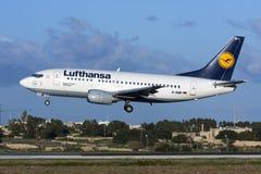 Lufhansa 737-500 Royaltyfri Foto