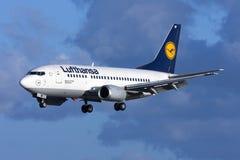 Lufhansa 737-500 Royaltyfri Bild