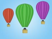 Luft-Ballone auf einem blauen Hintergrund Lizenzfreie Stockbilder