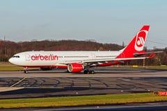 Luft Berin Airbus A330 på den Düsseldorf internationalen Royaltyfria Bilder