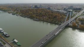 Luft-4K Bratislava Donau alte Stadt des Brummens stock footage