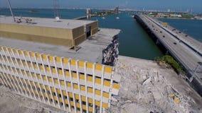 Luft-Miami Herald-Gebäude, das demoliert wird stock footage