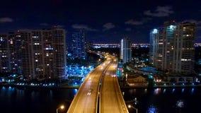 Luft-Nachtskyline Miamis Aventura Stockfotografie