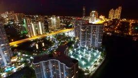 Luft-Nachtskyline Miamis Aventura Stockfoto