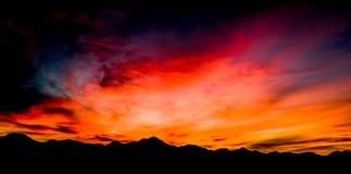 Luft-, panoramische Sonnenuntergang-Ansicht über Tubac Arizona stockfotos