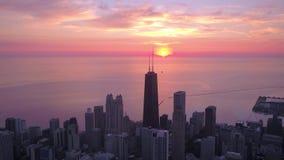Luft-Sonnenaufgang im Juli 2017 4K Illinois Chicago spornen 2 an stock video