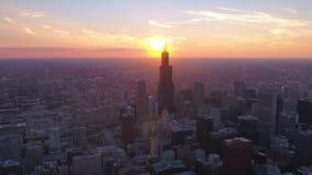 Luft-Sonnenuntergang im Juli 2017 4K Illinois Chicago spornen 2 an stock footage