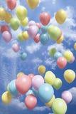 luft sväller färgrikt flyg Arkivbild
