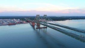 Luft- Video-Delaware-Denkmal-Brücke stock video footage
