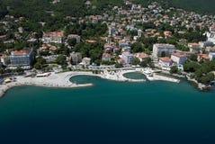 Lufta fotoet av det Opatija centret på Adriatiskt havet i Kroatien Fotografering för Bildbyråer