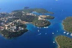 Luftaufnahme über Sivota Griechenland Stockfotografie