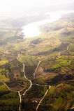 Luftaufnahme der Bauernhoffelder Stockfotos
