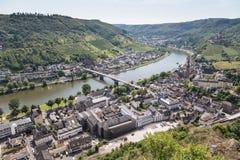 Luftaufnahme der deutschen Stadt Cochem Lizenzfreies Stockfoto