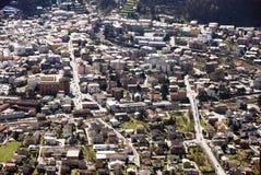 Luftaufnahme der städtischen Wohnausbreitung Stockfotos