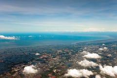 Luftaufnahme des Ackerlands Stockfotografie