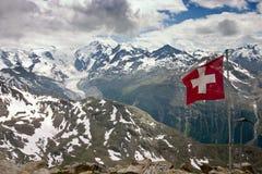Luftaufnahme des Bernina Gebirgszugs am Sommer Lizenzfreie Stockfotos