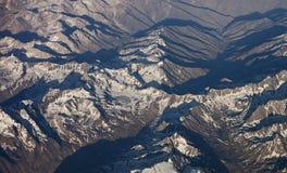 Luftaufnahme des Gebirgszugs Stockbilder