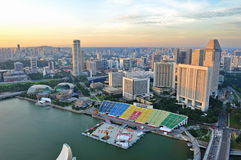 Luftaufnahme des Singapur-Jachthafen-Schachtes stockfoto