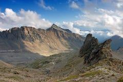 Luftaufnahme von österreichischen Alpen am Sommer Lizenzfreie Stockfotos