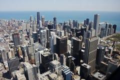 Luftaufnahme von im Stadtzentrum gelegenem Chicago Stockfotos