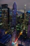 Luftaufnahme von New York City Manhattan-Midtown-Skyline nachts Lizenzfreies Stockbild