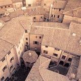 Luftaufnahmehintergrund, mittelalterliche Stadt. Italien Stockfoto