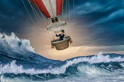 Luftballon im Sturm Lizenzfreie Stockfotos