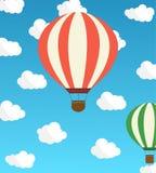 Luftballong mot himlen med moln också vektor för coreldrawillustration Stock Illustrationer